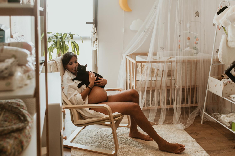 Séance photo grossesse à domicile à Montpellier